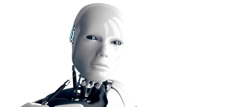 Robô com face humana olhando para a tela